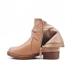 Child's boot imitation leather and faux suede