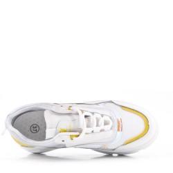 Baloncesto amarillo con suela compuesta