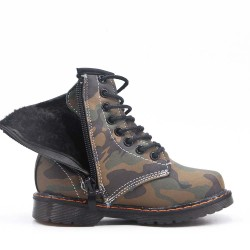 Girl's lace-up boot