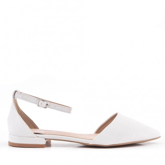 Low heels faux leather sandals