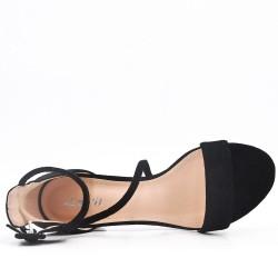Sandale talon moyen en simili daim