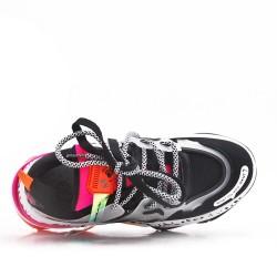 Zapatilla deportiva con cordones de piel sintética para mujer