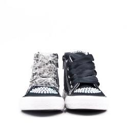 Zapato tenis con cordones
