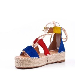 Sandale compensée à lacet en simili daim
