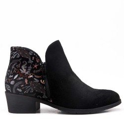 Suede ankle boot with heel for spring
