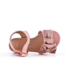Sandalia de tacón bajo con lazo para niña