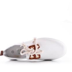Zapato de tenis con cordones de gamuza