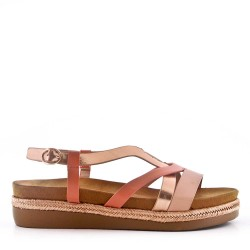 Flat sandals in leather for women