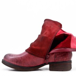 Red flat ankle boot in a mix of materials For autumn and winter