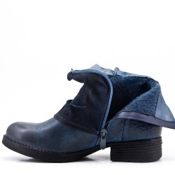 Flat blue ankle boot in a mix of materials For autumn and winter