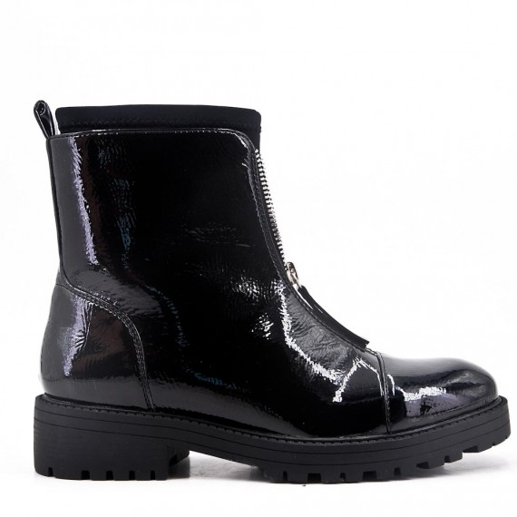 Black flat ankle boot in faux patent leather For autumn and winter
