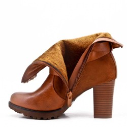 Camel ankle boot in faux suede with heel For fall and winter