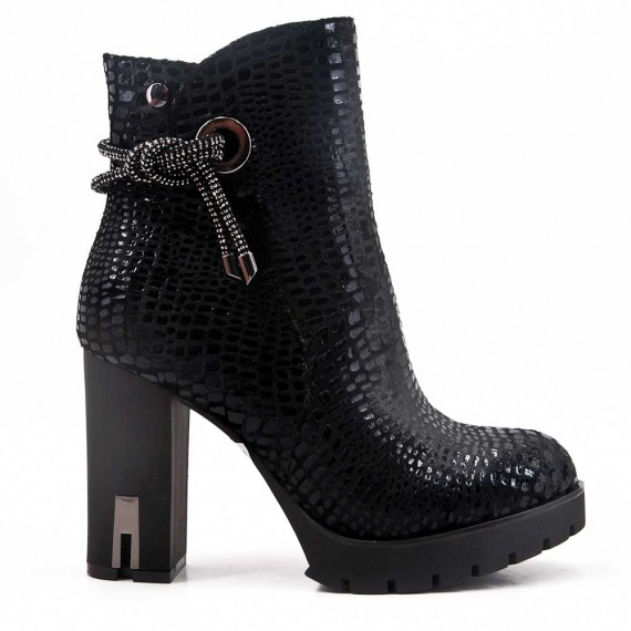Black faux leather ankle boot with heel For fall and winter