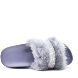 Zapatilla de piel