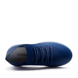 Calzado deportivo de mujer hecho de materiales textiles
