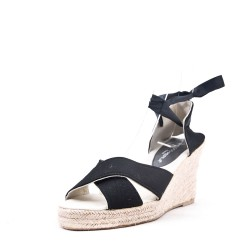 Wedge sandal in faux suede