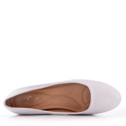White faux leather heeled pumps for women