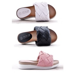 Girl's faux leather slide