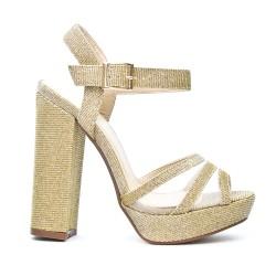 Sandale dorée à talon haut carré