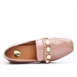 Escarpin en vernis rose à perles