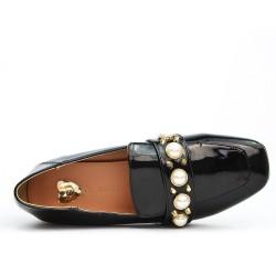 Escarpin en vernis noir à perles