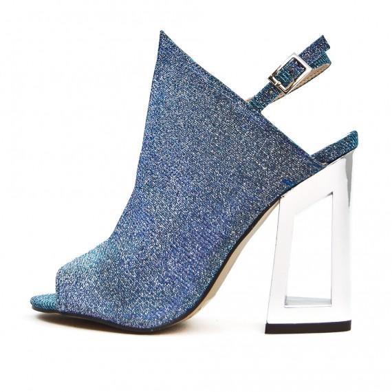 Sandale bleu à talon métal