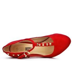 Escarpin rouge en simili daim à bride clouté