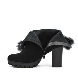 Bota de tobillo negro con piel