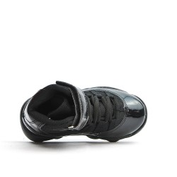 Basket noire pour garçon