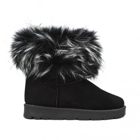 Black ankle boot with fur log