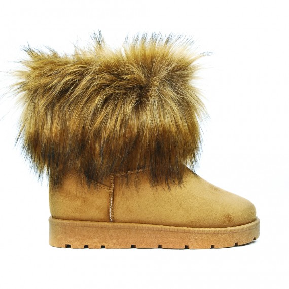 Camel ankle boot with fur logos