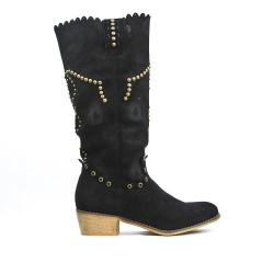 Black boot in faux suede detail with nails