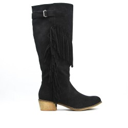 Black boot in fringed suede with fringe