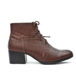Bottine marron en simili cuir texturé à lacet
