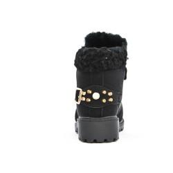 Botas negras con encaje