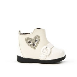 Girl's boot with heart pattern