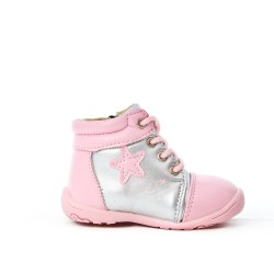 Girl's boot with star pattern