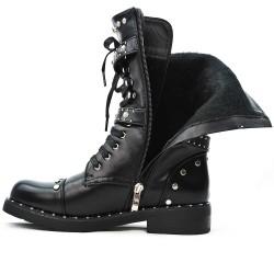 Bota de cordones de piel sintética negra con bridas abrochadas
