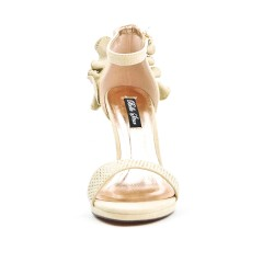 Beige sandal with ruffle on the back