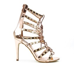 Champagne sandal with lace decoration