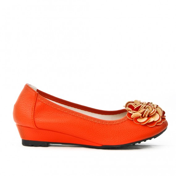 Orange comfort ballerina with flower pattern and small heels