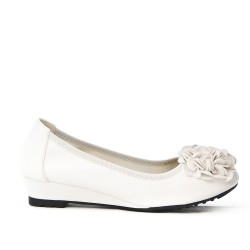 White comfort ballerina with flower pattern and small heel