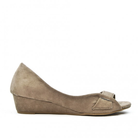 Taupe ballerina with open toe and small heel