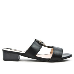 Black flap with square heel in large size