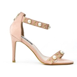 Pink sandal with pearls