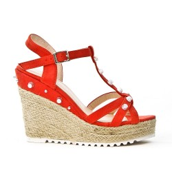 Wedge red sandal in faux suede