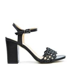 Sandale noire à brides tressées