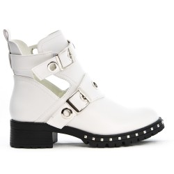 Open white boot with buckled bridles