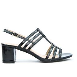 Sandale noire à talon carré