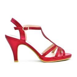 Sandalia roja con diamantes de imitación